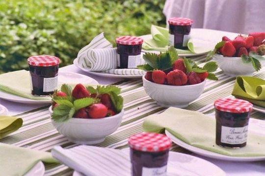 +23 That will motivate you Garden party decorations outdoor table