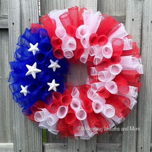 + 35 Creative ways Red white and blue decorations diy front doors