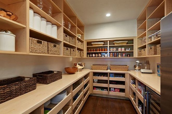 45+ A Review of Kitchen Pantry Design Ideas